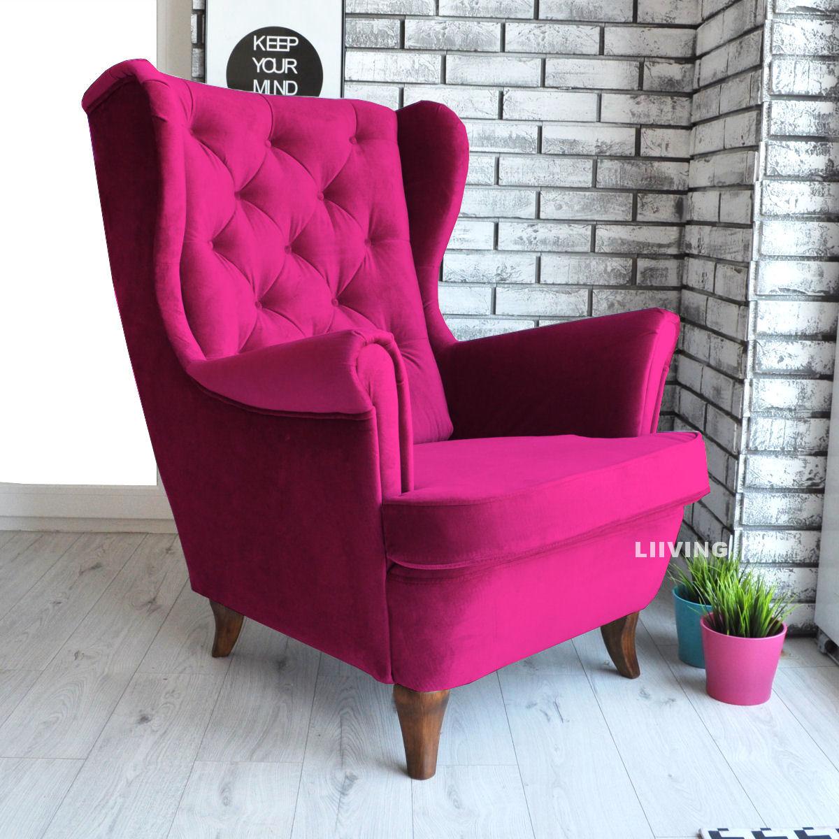 fotel uszak w amarantowym kolorze