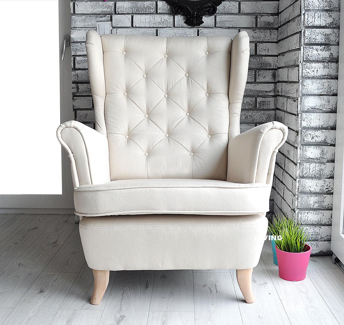fotel w kolorze ecru